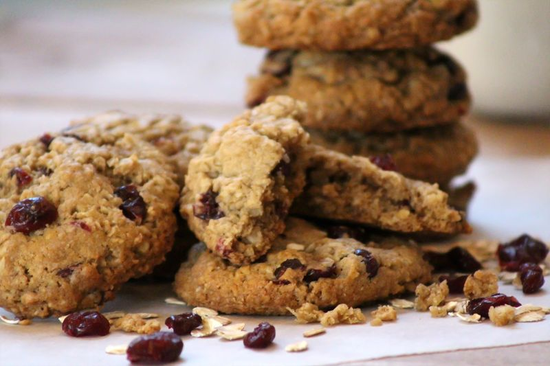 Vegan oatmeal coconut craisin cookie 3