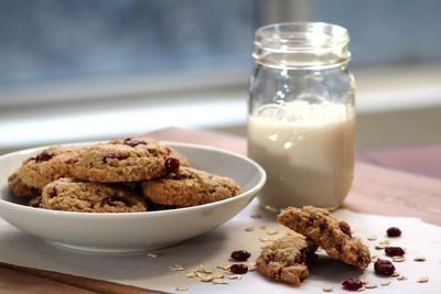 Vegan oatmeal coconut craisin cookie